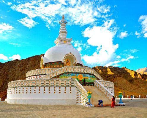Shanti_Stupa,_Leh