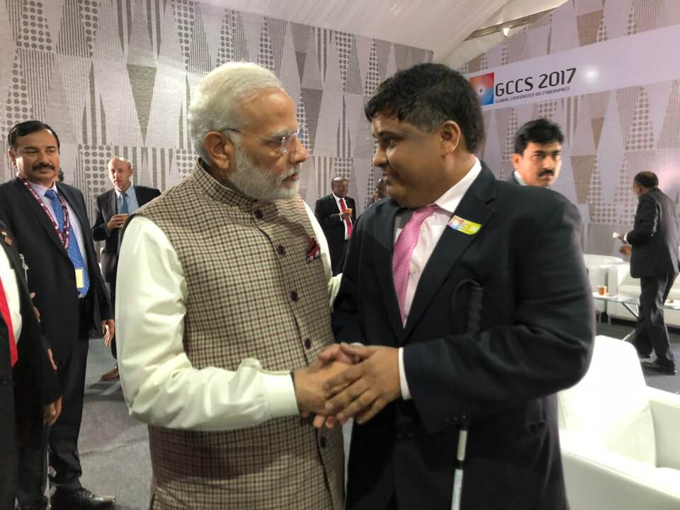 M. Asif Iqbal shaking Hands with PM Narendra Modi